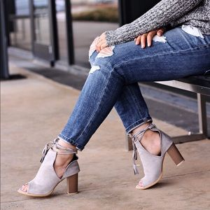 Transitional Style Peep Toe lLace Up Booties
